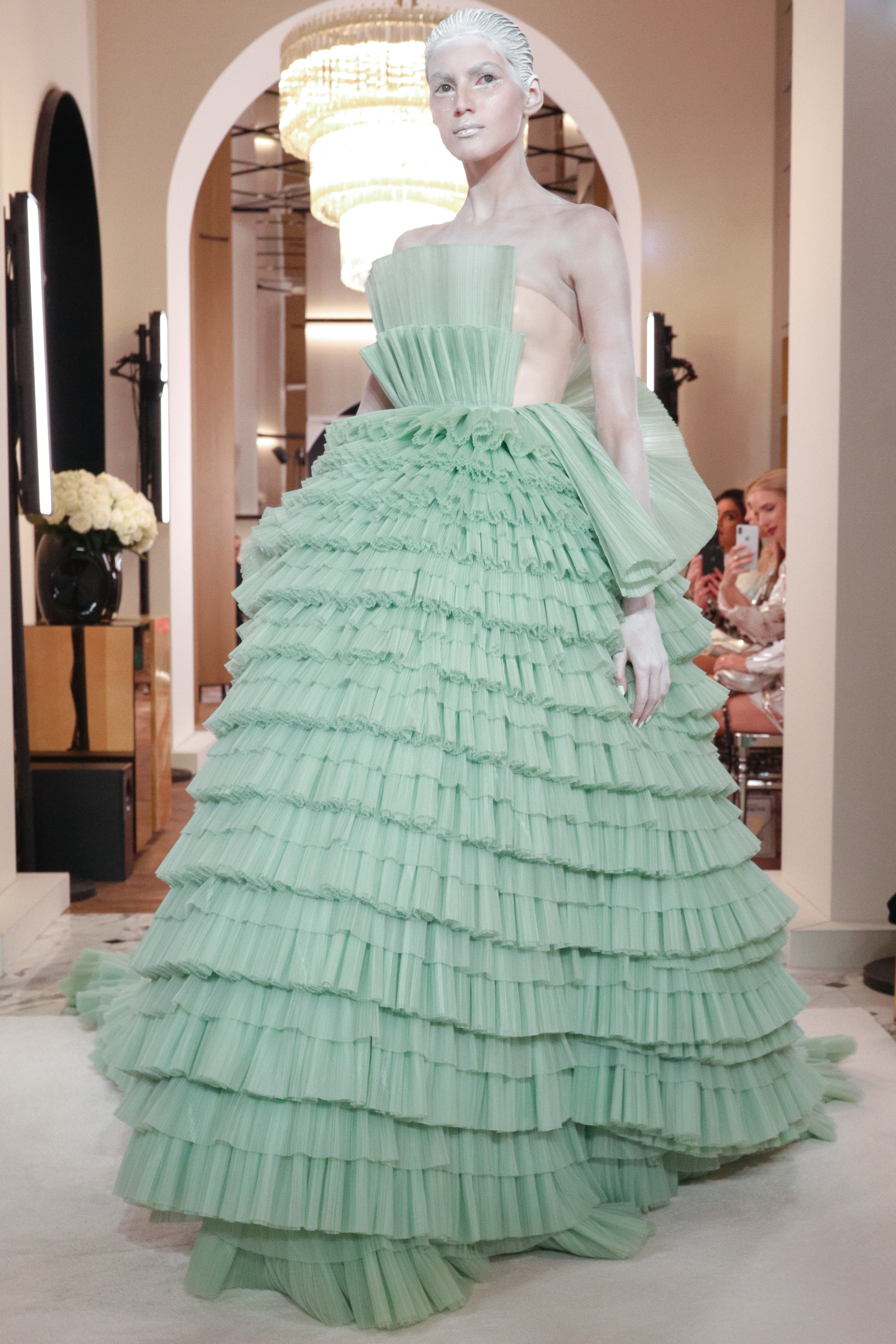 Balmain - Paris Haute Couture Printemps - Eté 2019
